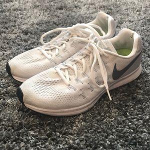 Nike Pegasus 33 Running Shoe Sneaker White